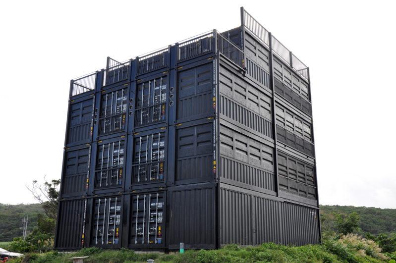 4階建ての究極のコンテナハウジング