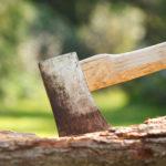 薪割り用の斧を選ぼう!クラシックスタイルなおすすめ手斧5選