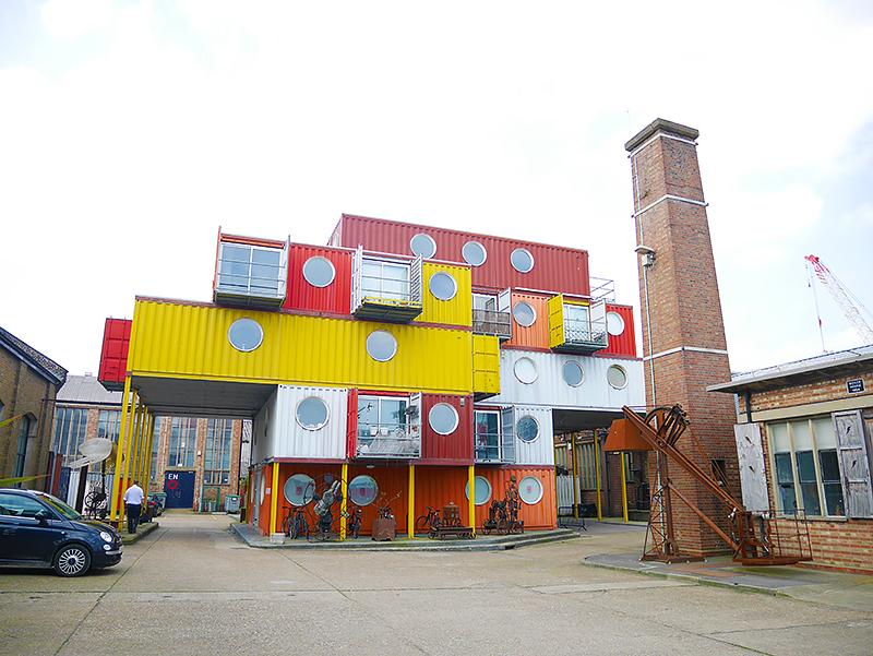 イギリスのトリニティブイワーフを視察。アーティストが集う港の街