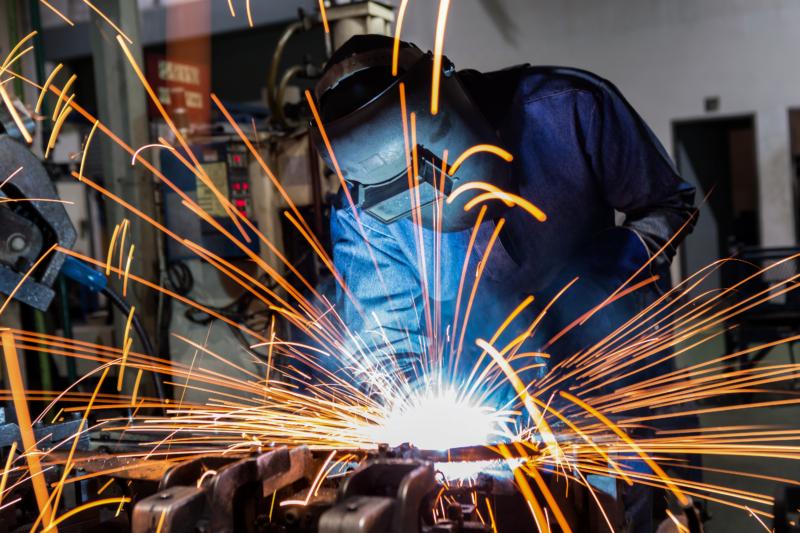 鉄骨工事の接合方法!柱や梁のボルト接合や溶接について
