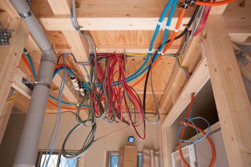 電気設備工事とは?電力の引き込みから通信設備まで内容解説