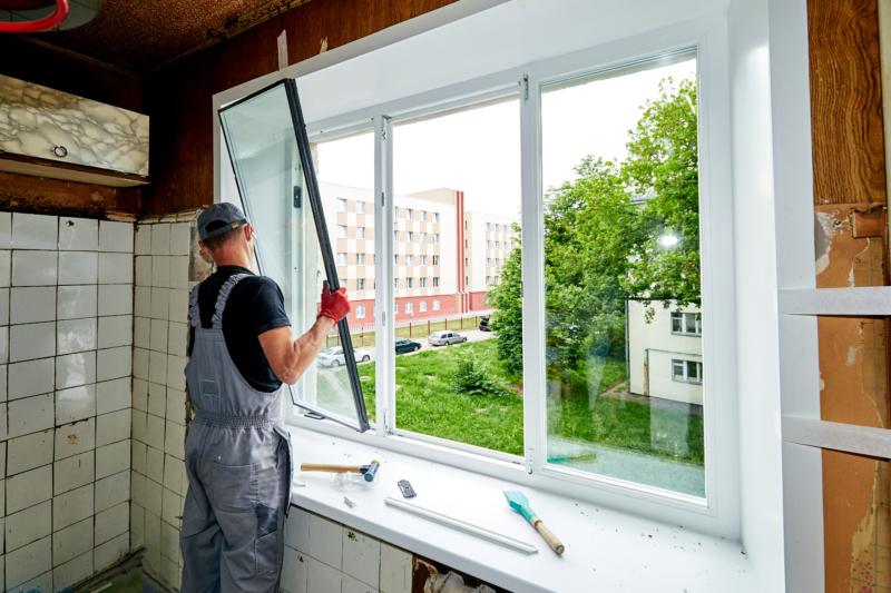 ガラス工事とは?使用されるガラスの種類を解説!取付け手順についても