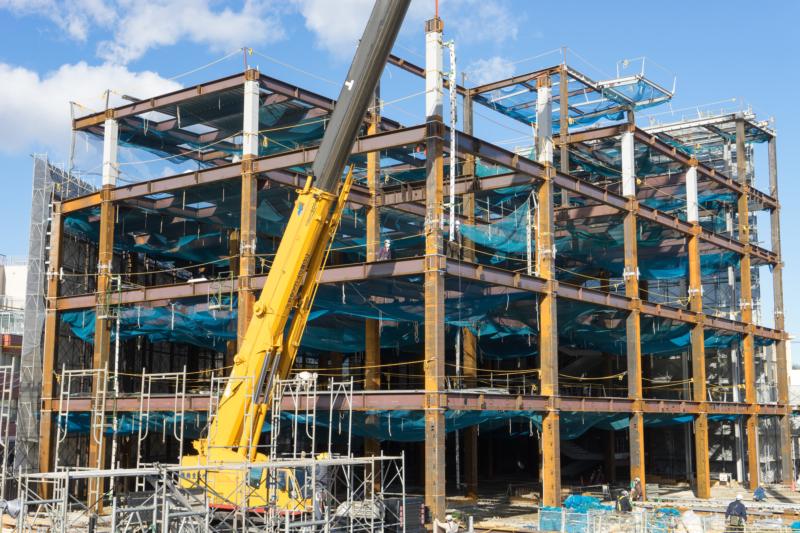 鉄骨構造(S造)とは?柱や梁などの骨組みに鋼鉄部材を使用した構造