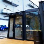 【施工事例】斜め配置で明るい空間を実現!20ftコンテナを2台使用した会議室兼休憩所