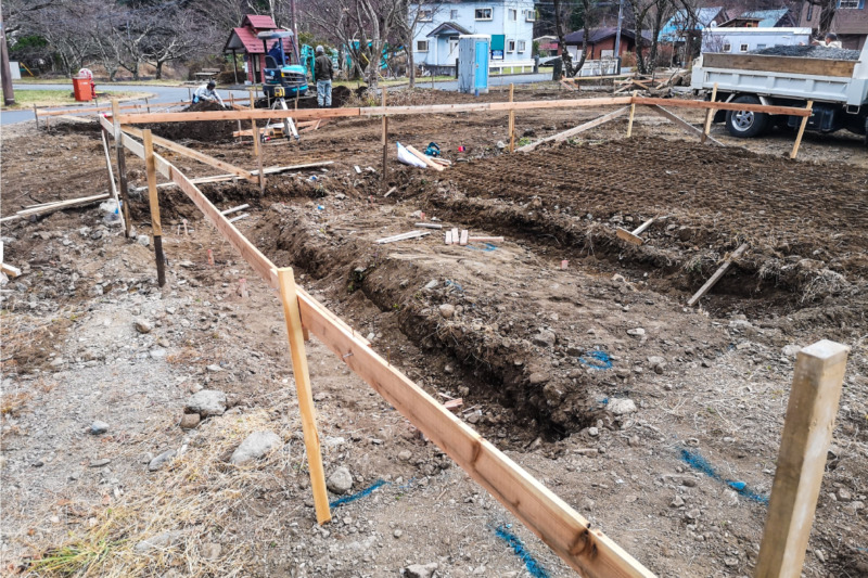 コンテナハウスの根切り工事
